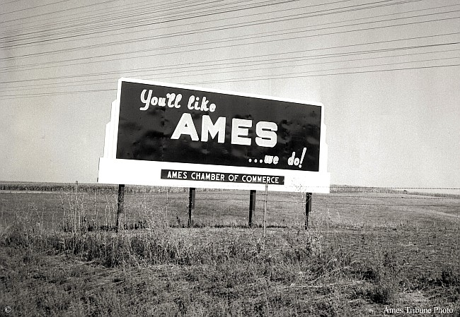 05_1955_youll_like_ames_welcome_sign_c_s