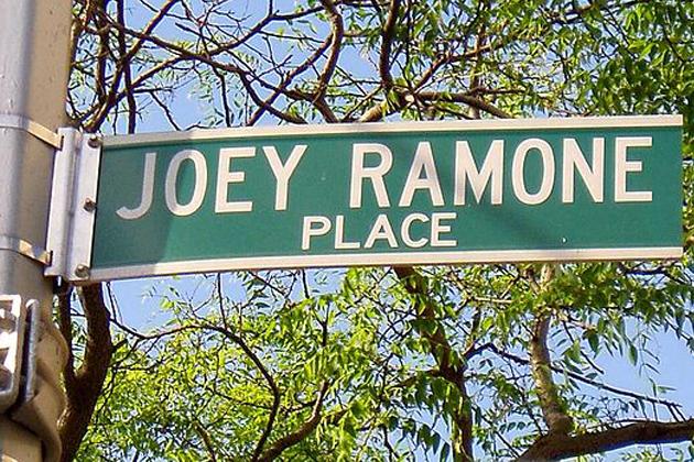 joey_ramone_place-streetsign